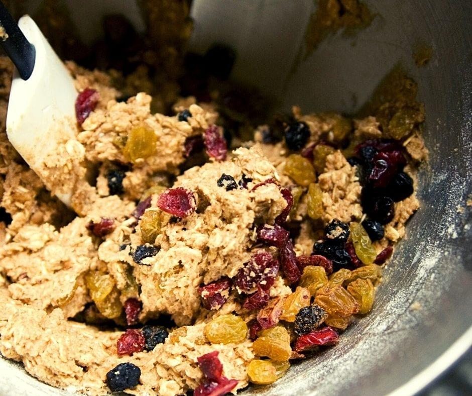 oatmeal cookie fruit dough