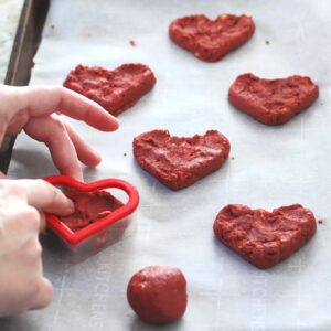 How to use a cookie cutter