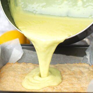 pour lemon curd